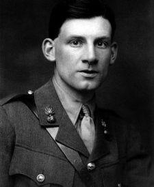 Siegfried Sassoon in uniform